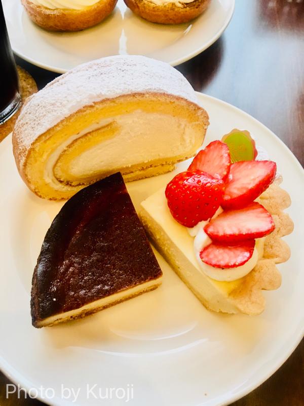 ロールケーキ、ケーゼ、ゴルゴンゾーラチーズケーキ