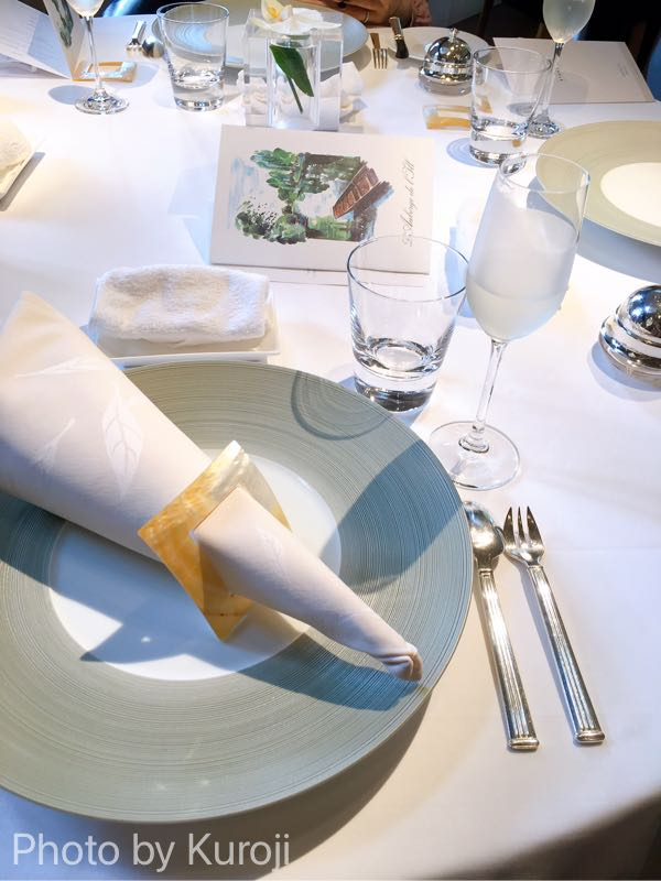 オーベルジュドリル札幌のテーブルセッティング